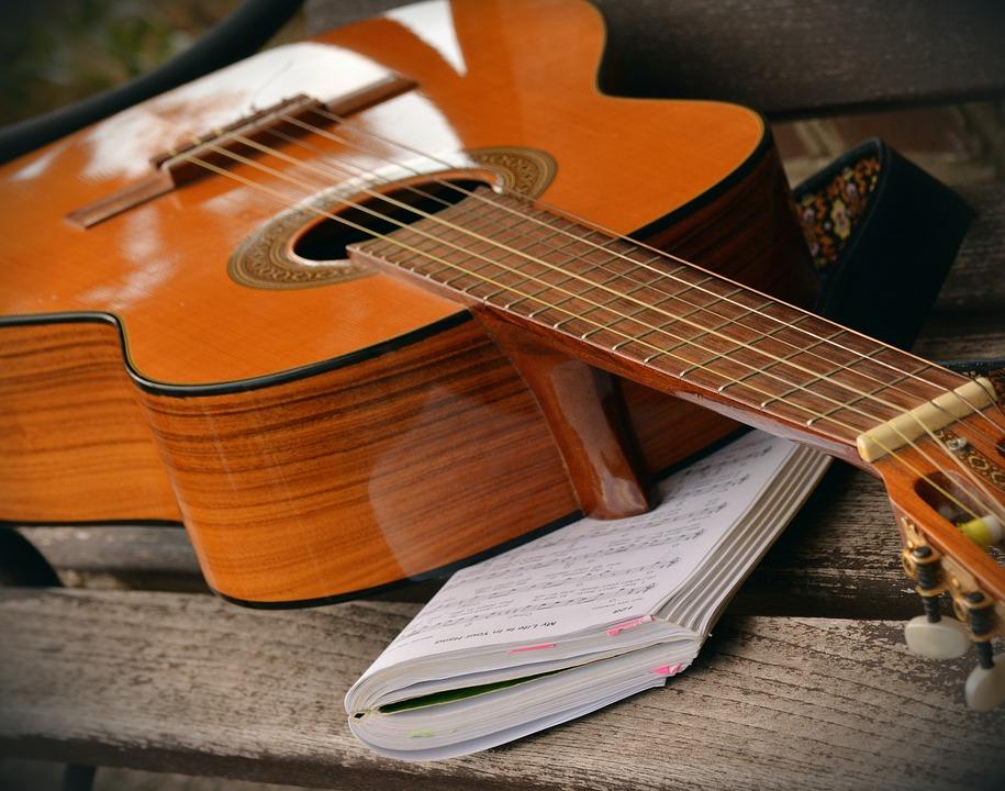 jouer de la guitare pour booster son cerveau